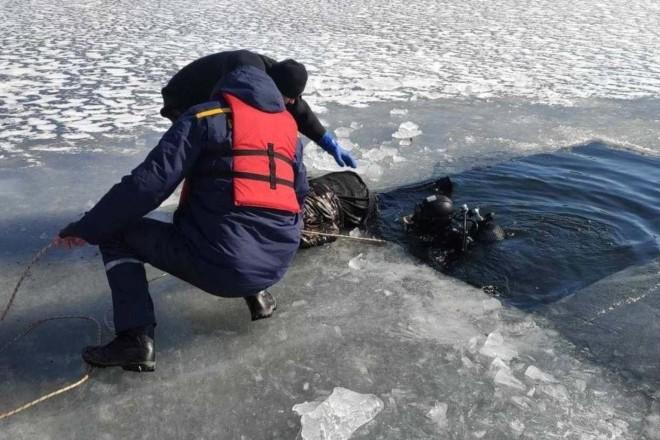 В озері на Оболоні виявили тіло хлопця (ФОТО)