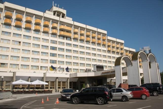 """Під """"Президент готель"""" стягнули нацгвардійців. Захищатимуть з'їзд суддів від активістів?"""