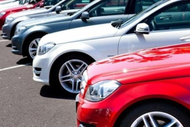 Автівки якого кольору найбільше полюбляють українці