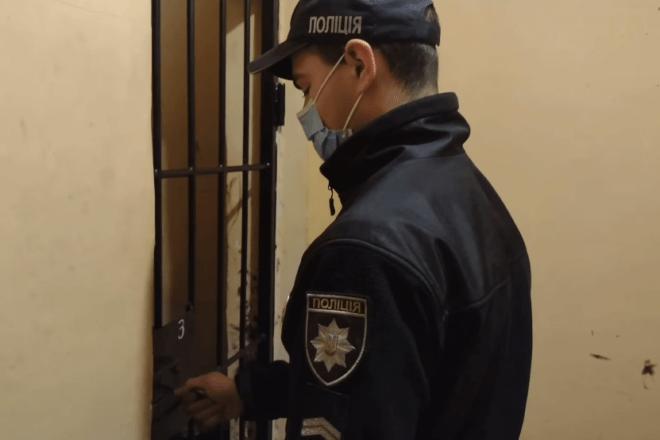 Чоловік на Київщині так залив очі горілкою, що зґвалтував свою 91-річну бабусю