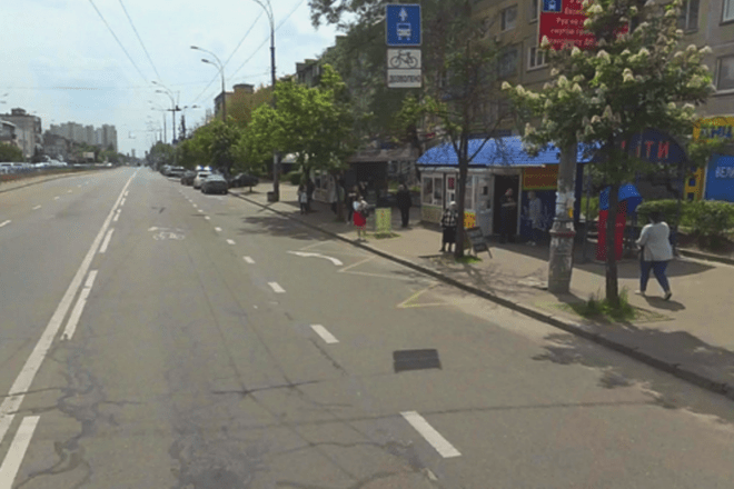 На Лівому березі у столиці експериментують із зупинками: що зміниться