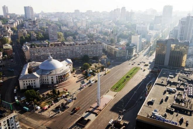 Реконструкція площі Перемоги: будуть велодоріжки, велопарковки, табло та камери