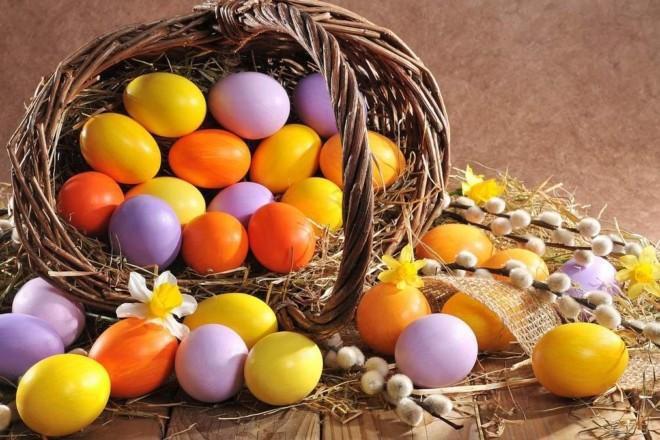 5 простих способів пофарбувати яйця до Великодня