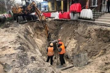 Підтоплень не буде: на Лівобережжі оновлюють найпроблемніший колектор каналізації