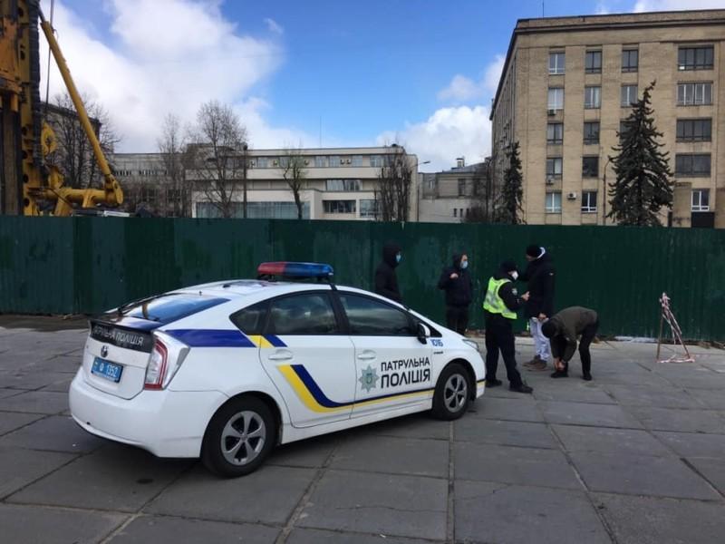 Незаконне будівництво на проспекті Перемоги: місто хоче викупити ділянку під сучасний парк