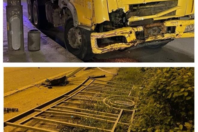 Некерована вантажівка знесла понад 10 метрів паркану в Голосієві