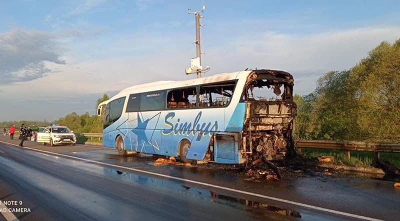 На трасі Київ-Чоп згорів автобус (ФОТО)