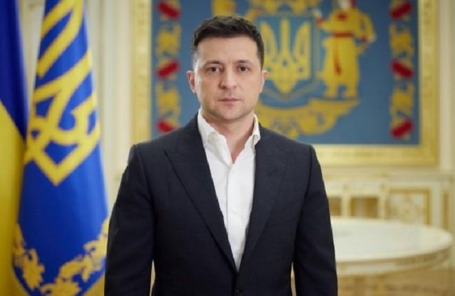"""Зеленський побажав українцям """"великого миру"""": Великоднє звернення (ВІДЕО)"""