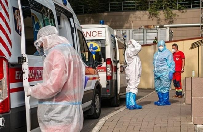 До лікарень столиці з коронавірусом за добу потрапило 33 людини