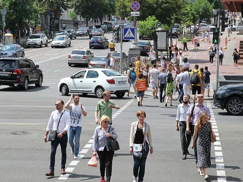 Де у столиці з'являться підвищені пішохідні переходи та острівці безпеки: вулиці