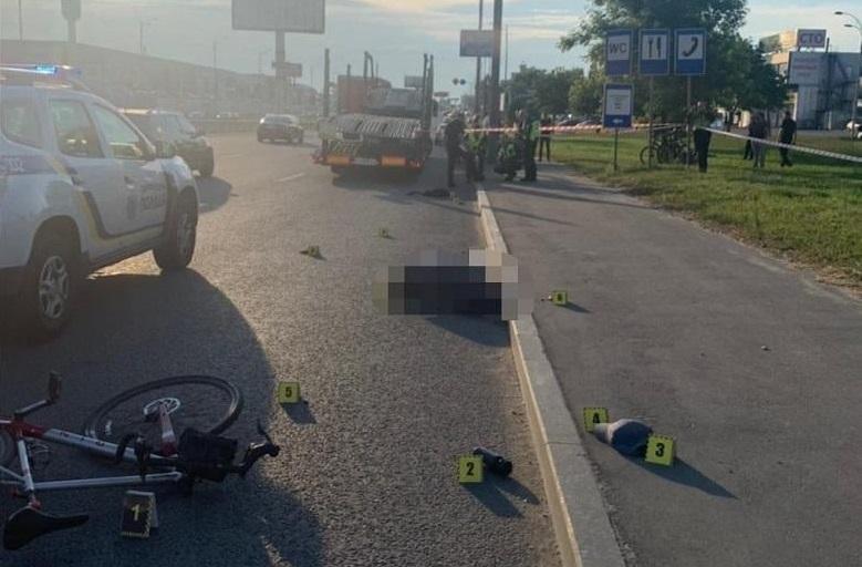 П'яний пішохід штовхнув велосипедиста під колеса фури – хлопець загинув миттєво (ВІДЕО)
