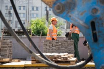 Велодоріжка і ремонт проїздів: на Русановці робитимуть капремонт однієї з найбільших вулиць