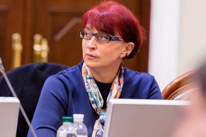 """Депутатка від """"Слуги народу"""" заявила, що """"фізіологічно"""" українець може вижити і на 5 тисяч"""