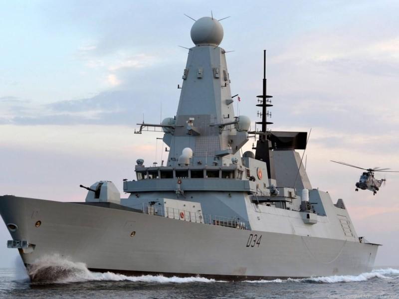 Історія з есмінцем у Чорному морі: британці кажуть, що по них ніхто не стріляв (офіційно)