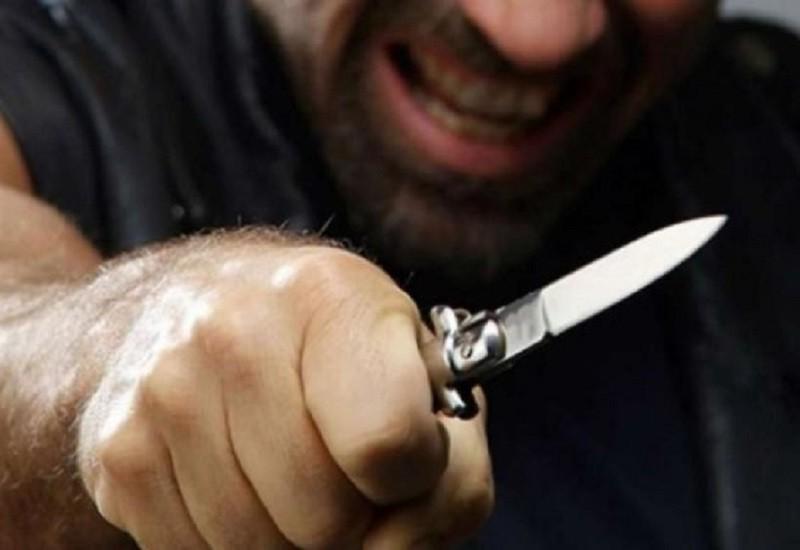 Пригостив ножем у живіт. На Героїв Дніпра чоловік підрізав свого гостя