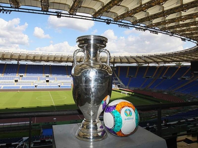Євро-2020: чемпіонат з футболу стартує з шоу та матчу Туреччина-Італія