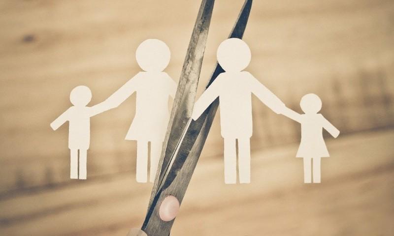 Нотаріуси зможуть розривати шлюби