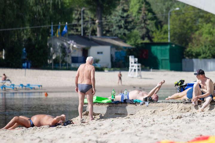 Комунальники розповіли, коли в Києві розпочнеться купальний сезон