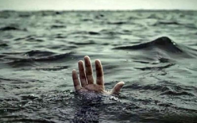 Із озера Тельбін дістали мертву жінку
