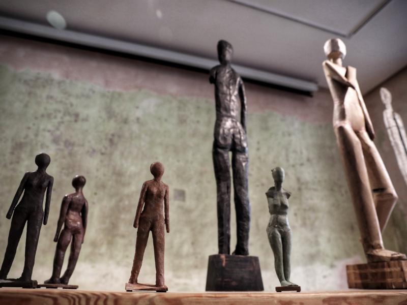 Тіло, пандемія і робота – якою була виставка Віталія Кохана в The Naked Room