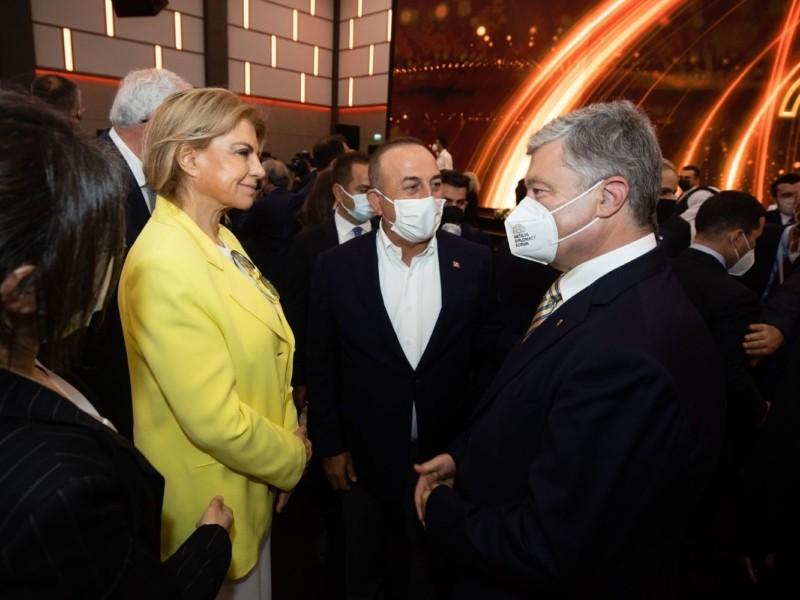 Для нас важливо продовжити консолідацію міжнародного тиску на Москву — Порошенко