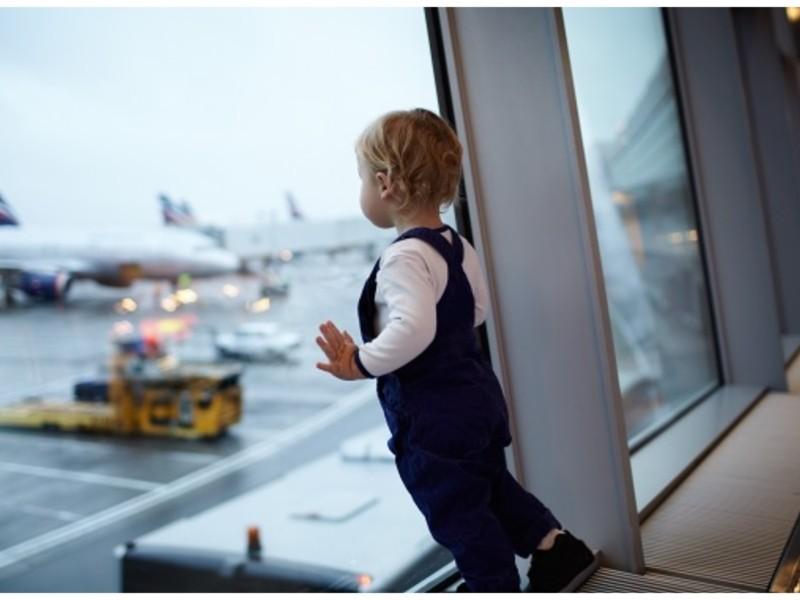 Пасажири з дітьми до 6 років — окремо. У «Борисполі» запустили окремий коридор контролю