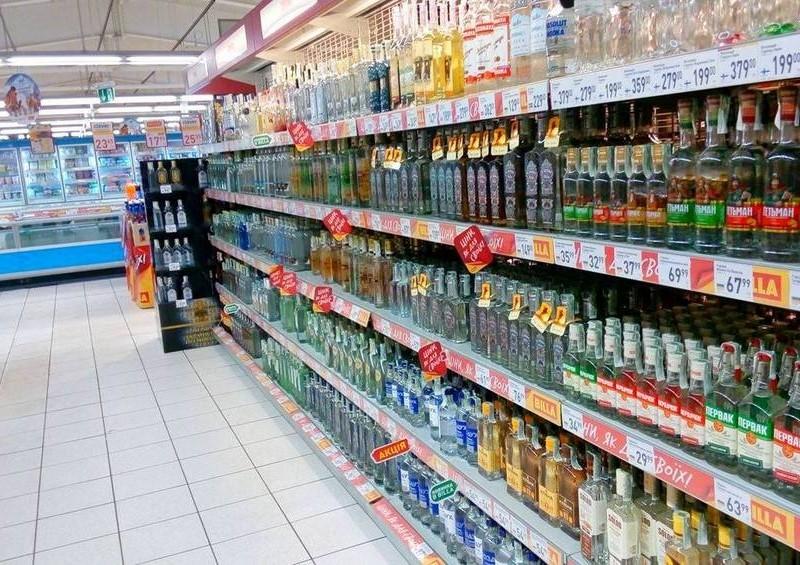 Посягання на святе. У Раді готують заборону на продаж алкоголю і тютюну в супермаркетах
