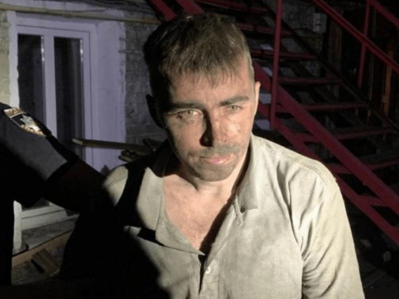 Ховався у трубі будинку. На Подолі піймали педофіла, який втік з-під варти (ФОТО)