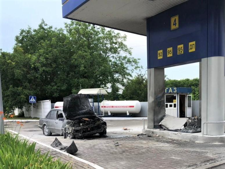 Під кайфом і на автопілоті: в Яготині водій збив жінку та врізався у заправку