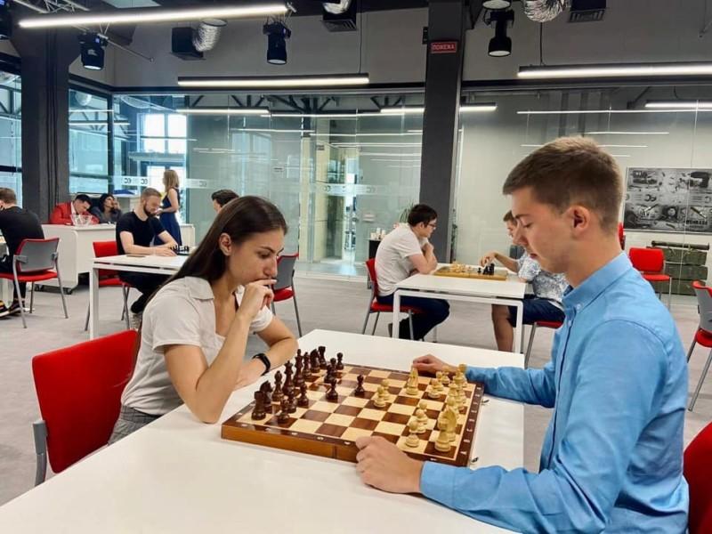 """Шахи – це не минулий час: як молодіжне крило """"Євросолідарності"""" прокачує інтелект"""