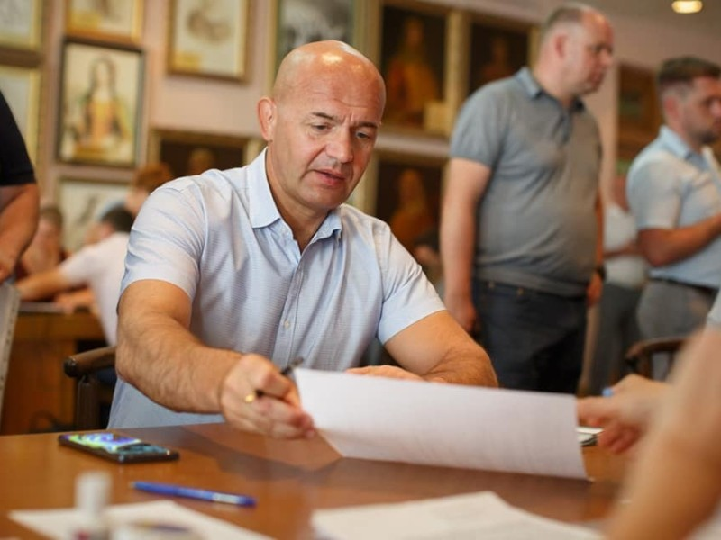 Ігорю Кононенку подякували за багаторічну підтримку військових на Сході