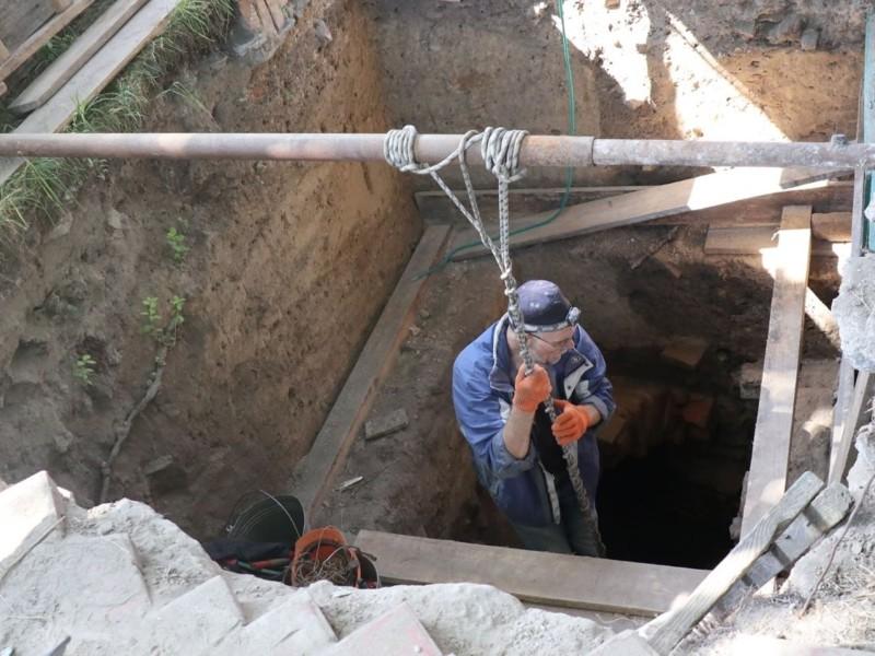 """Невідоме під землею: у """"Софії Київській"""" тривають розкопки провалля"""