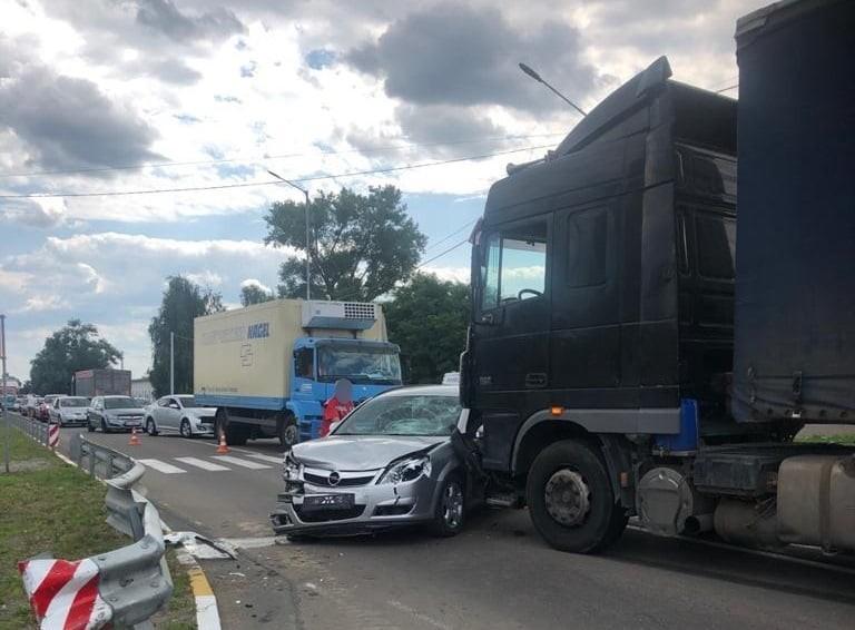 На Київщині сталась моторошна ДТП: загинув хлопчик і дідусь (фото)