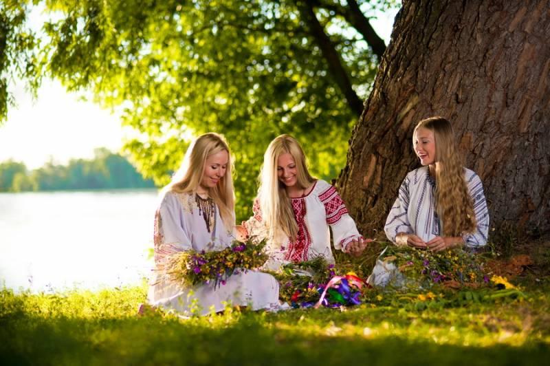 15 липня – верхівка літа: сьогодні можна поклонитись березі і скупатись у росі