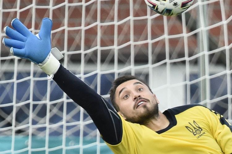 Воротар української збірної з футболу увійшов до топ-кращих на Євро-2020