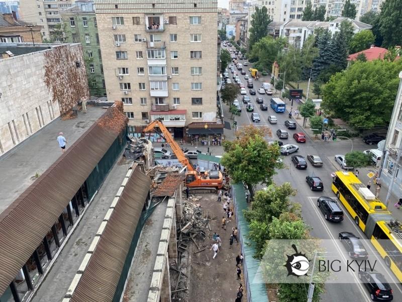 """Забудовника """"Квітів України"""" судитимуть? В мерії прокоментували ситуацію з руйнуванням пам'ятки"""