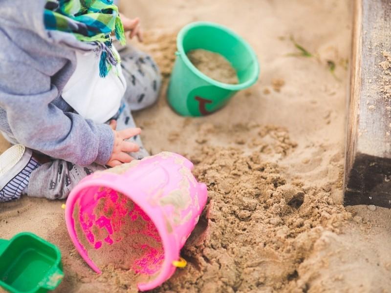 Бархани і пустеля у Дніпровському районі: у пісочниці завезли майже 100 т піску