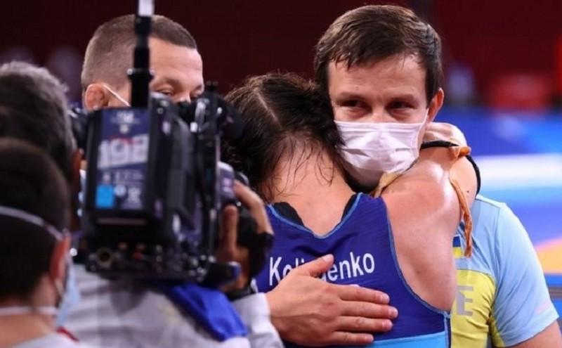 Українській борчині, яка віддала призову квартиру тренеру, вручили ще одну
