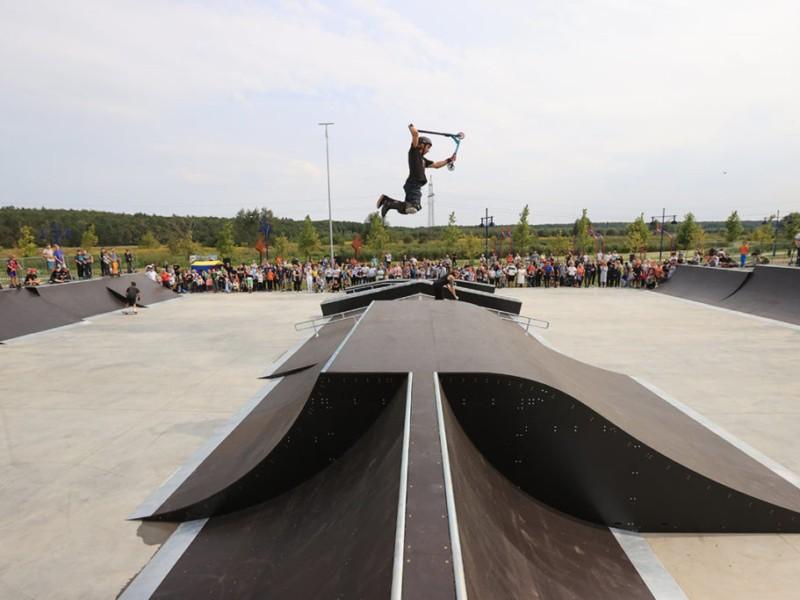 На набережній Ірпеня відкрили скейт-парк європейського зразка (ФОТО)