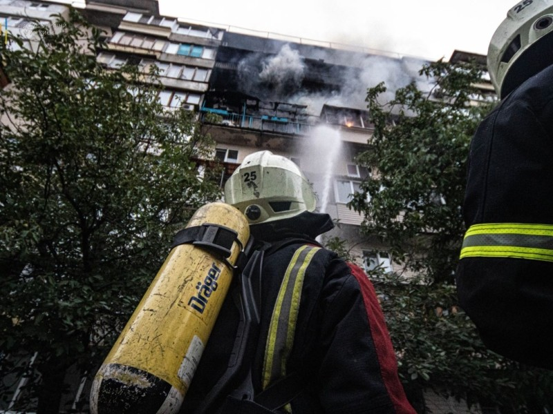 На Оболоні сьогодні вранці виникла пожежа у 9-поверхівці