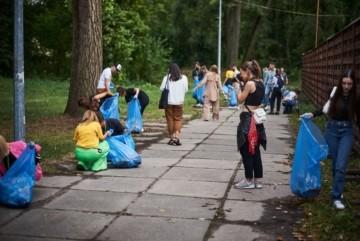 Киян кличуть на грандіозну толоку у Всесвітній день прибирання – дата і місце
