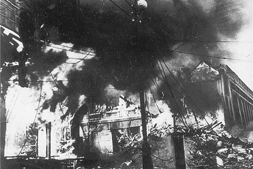 Палаючий Хрещатик – пожежа на Хрещатику – підрив Хрещатику – Друга світова війна в Києві – окупація Києва