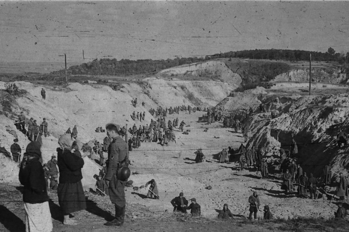 Бабин Яр – Голокост – розстріли у Бабиному Яру – врятовані в бабиному Яру – Праведники бабиного Яру – трагедія в бабиному Яру