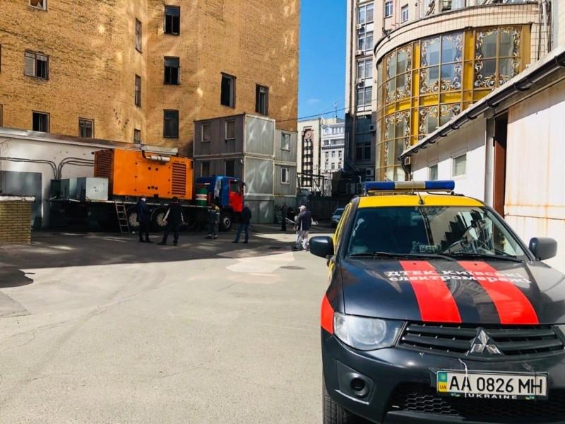 Електрику на Майдані лагодитимуть цілу ніч: коли запрацюють фонтани