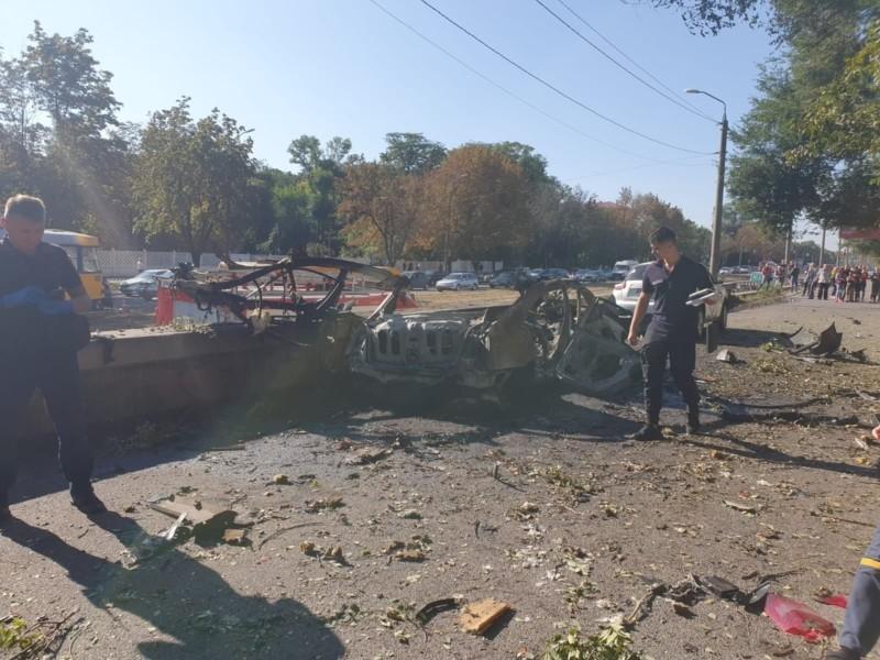 Вибух автівки в Дніпрі: одним із загиблих був військовий з Києва (ФОТО)