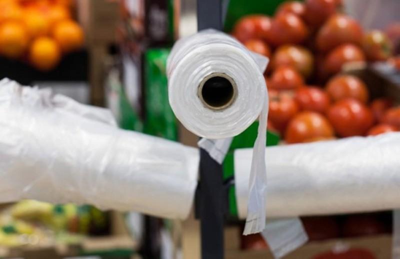 В Україні хочуть заборонити пластикові вироби. Порушників чекають штрафи
