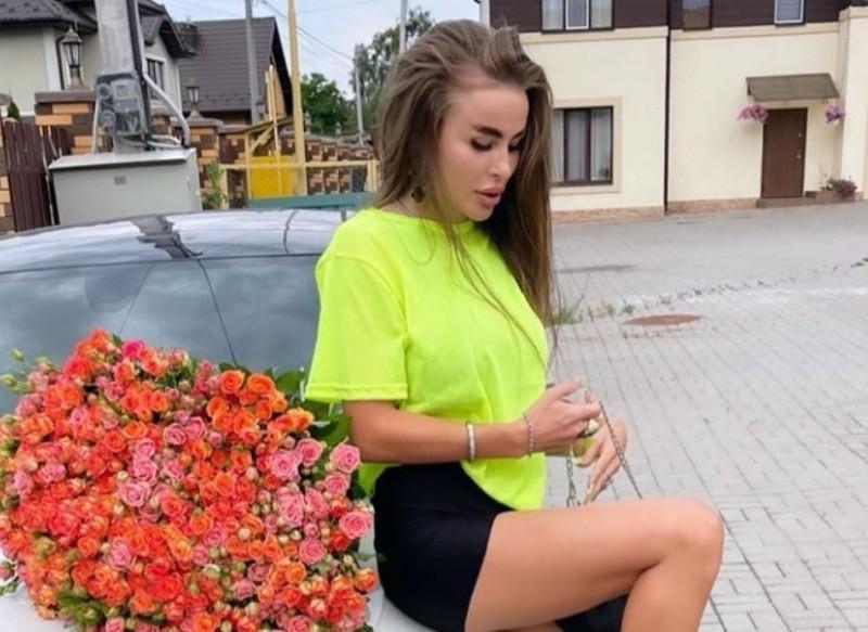 В Києві блогерка на Lexus порушила правила та тікала від поліцейських (ВІДЕО)