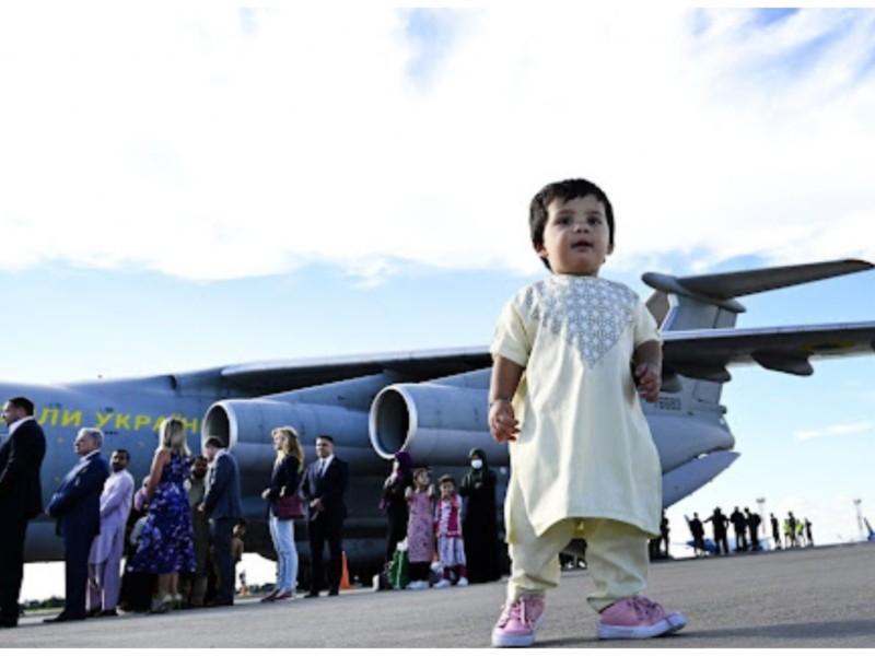 Ми заберемо всіх наших. В РНБО розказали скільки ще українців хочуть виїхати з Афганістану
