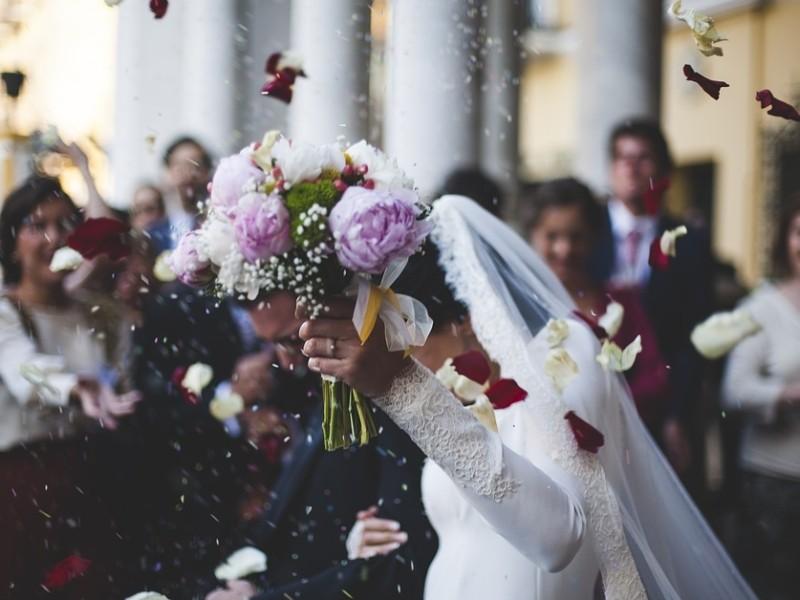 Стояти черги в РАЦСі вже не треба: нареченим можна подавати заяви онлайн