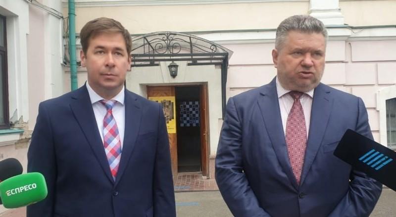Перед поїздкою Зеленського до США справу проти Порошенка закрили. Що кажуть адвокати